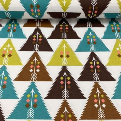 Curtain with triangles in yellow, blue and brown