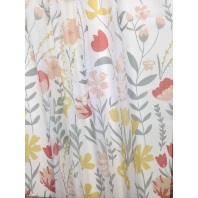 Curtain with floral motifs in yellow and orange