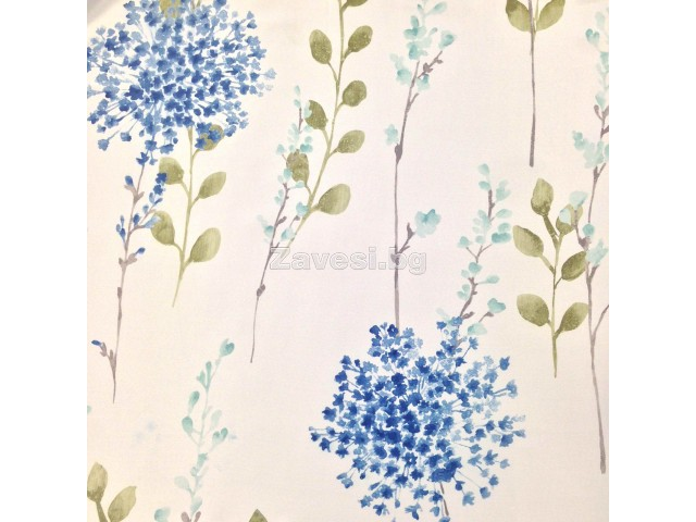 Плат за плътна завеса димаут с флорален десен в синята гама