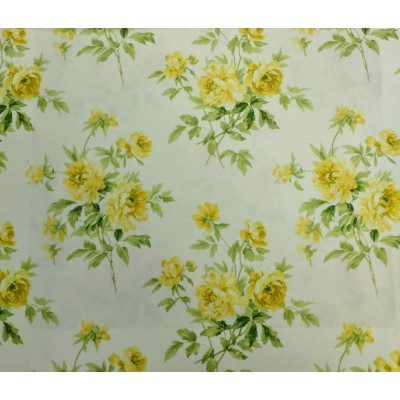Curtain with yellow bouquet