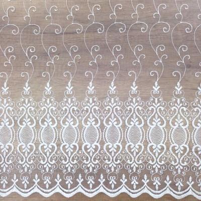Плат за тънко перде бродерия с бели орнаменти