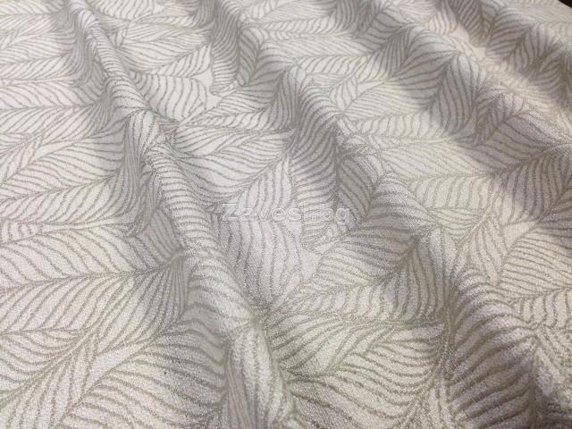 Плат за плътна завеса с листа в бежово