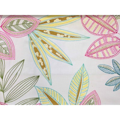 Curtain with embrodery Leafs