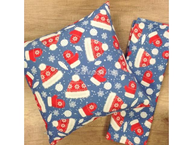 Комплект тишлайфер и възглавничка в синьо с шапки и ръкавички