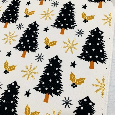 Коледен плат с елхи на бял фон