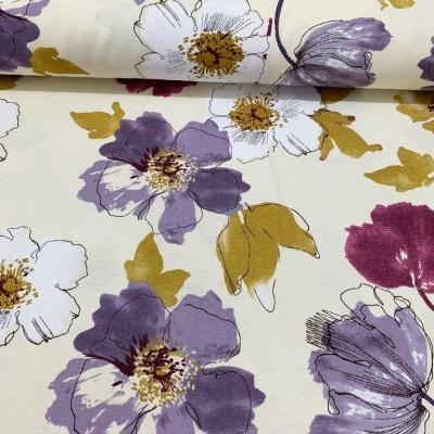 Дамаска с акварелни цветя в лилаво