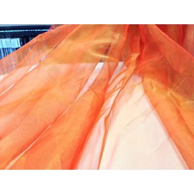 Преливащ плат за тънко перде тип органза в златно и оранжево