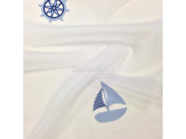 Плат за тънко детско перде с платноходки в синьо на бял фон