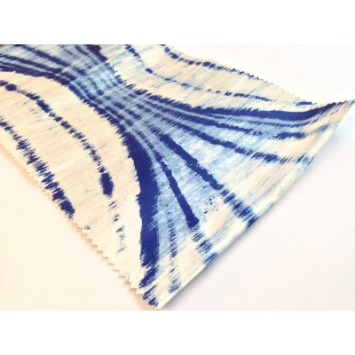 Негорим плат за плътни завеси с абстрактни шарки в синьо
