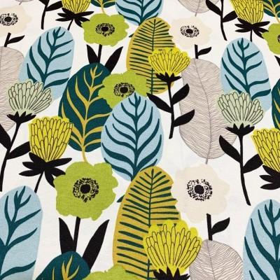 Дамаска с абстрактни цветя и листа в светли цветове