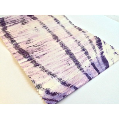 Негорим плат за плътни завеси с абстрактни шарки в лилаво