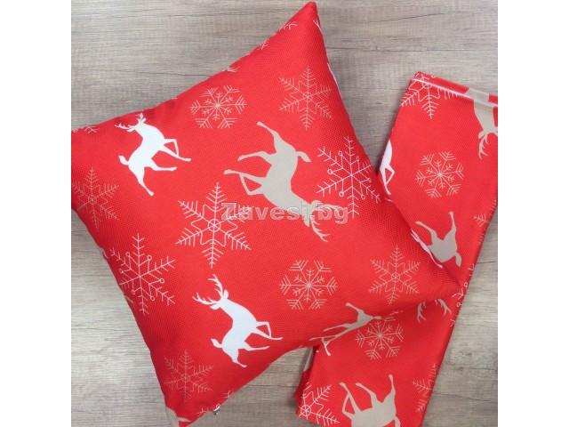 Комплект тишлайфер и възглавничка в червено с елени