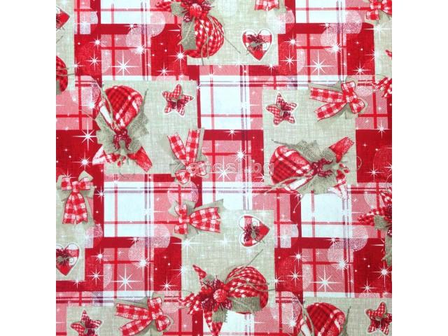 Коледен плат с панделки и играчки в червено
