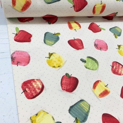 Curtain with apples
