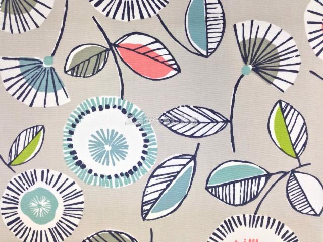 Плат за плътна завеса с абстрактни цветя цвят мента на светло сив фон