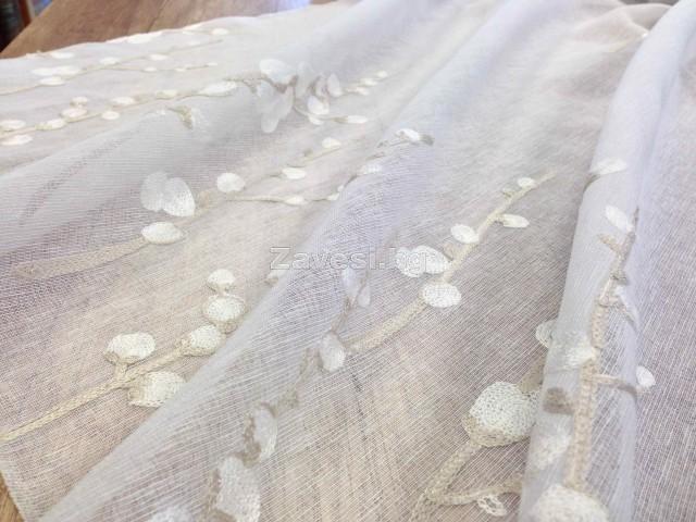Плат за тънко перде изкуствен лен с бродерия клонки в бежово