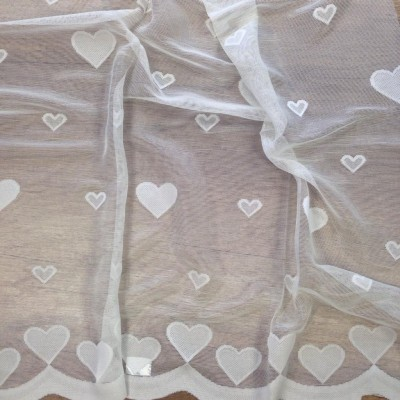 Curtain with hearts in white