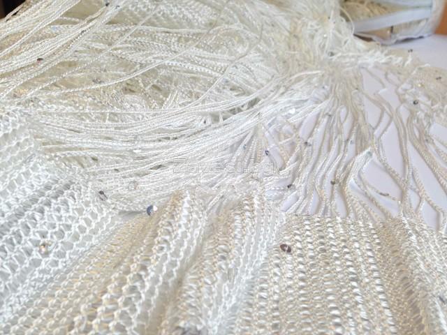 Ресни 3 метра в бял цвят с пайети